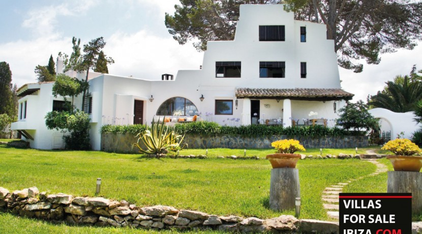 Villas-for-sale-Ibiza-Mansion-San-Ann--