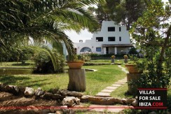 Villas-for-sale-Ibiza-Mansion-San-Ann--1