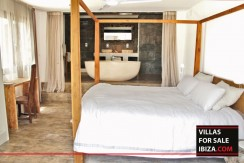 Villas-for-sale-Ibiza-Mansion-San-Ann--31