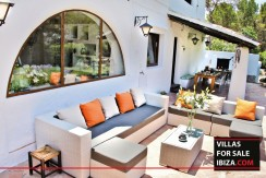 Villas-for-sale-Ibiza-Mansion-San-Ann--6