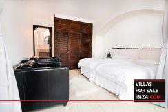villas-for-sale-ibiza-mansion-retreat-015