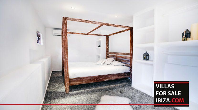 villas-for-sale-ibiza-mansion-retreat-017