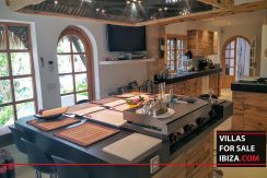 villas-for-sale-ibiza-mansion-retreat-040