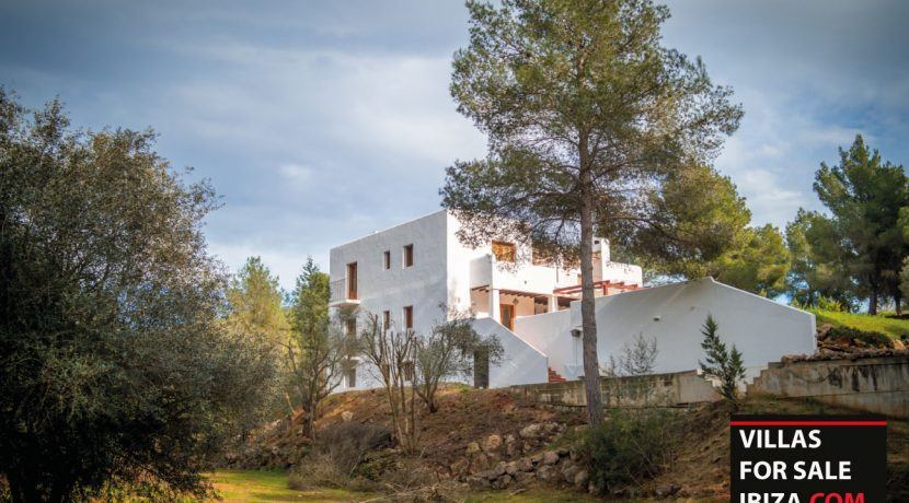 Villa-for-sale-Ibiza-Villa-Campo-4