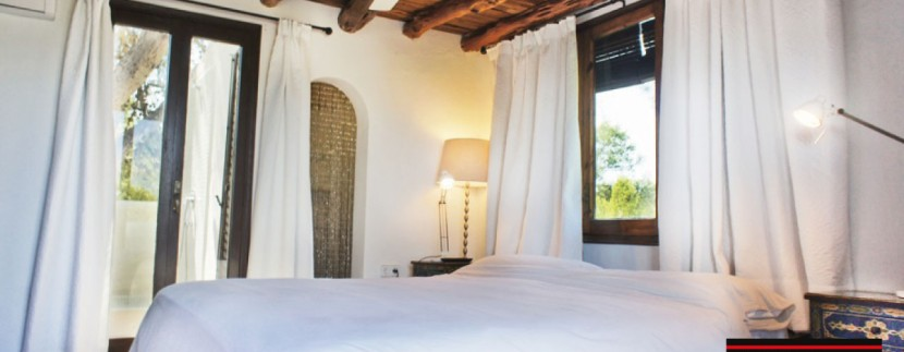 Villas-for-sale-Ibiza-Mansion-San-Ann--32