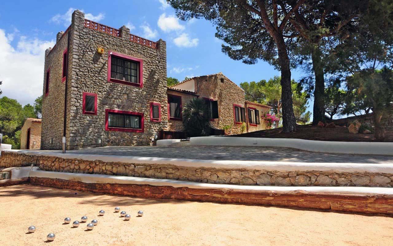 Estate Tress Casas